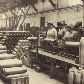collecte des archives : album des Forges et Ateliers de la Fournaise